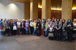 Gruppenbild vom dritten Interreligiösen Frauenbegegnungstag im Ökumenischen Forum in der HafenCity